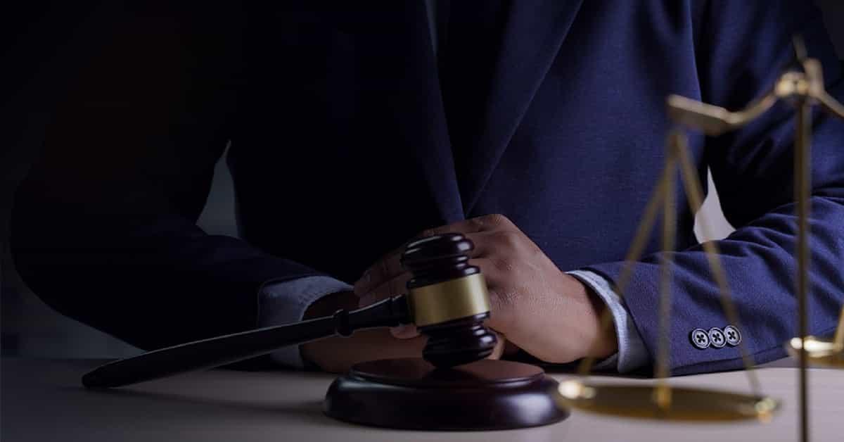 Mahkeme Kararını Yerine Getirmeyen Memurun Tazminat ve Ceza Sorumluluğu