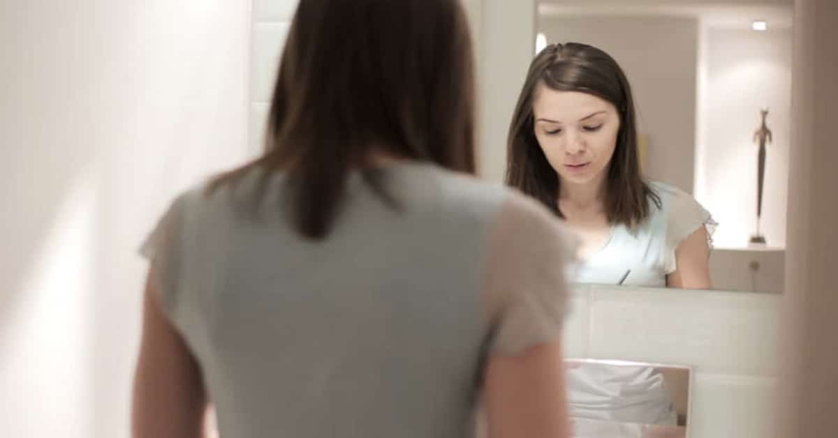 Aynadaki Kişiye Karşı Biraz Daha Anlayışlı Olun