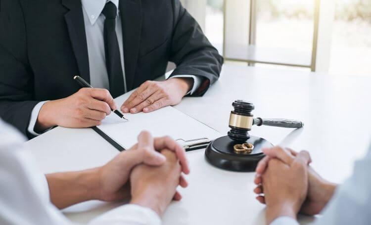 Boşanma Avukatı Zorunlu Mudur?